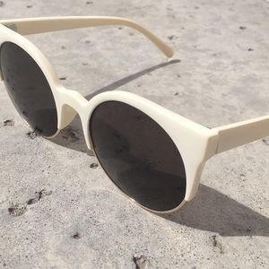 Round White Retro Sunglasses